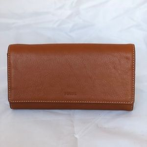 Fossil Emma Brown RFID Flap Leather Clutch Wallet